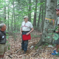 Thomas Brewer introduces the hike to the participants